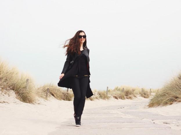 fashion blog, düsseldorf, essen, deutschland, outfit, beach, rostock, lederjacke, adidas top ten hi sleek, le specs, warnemünde