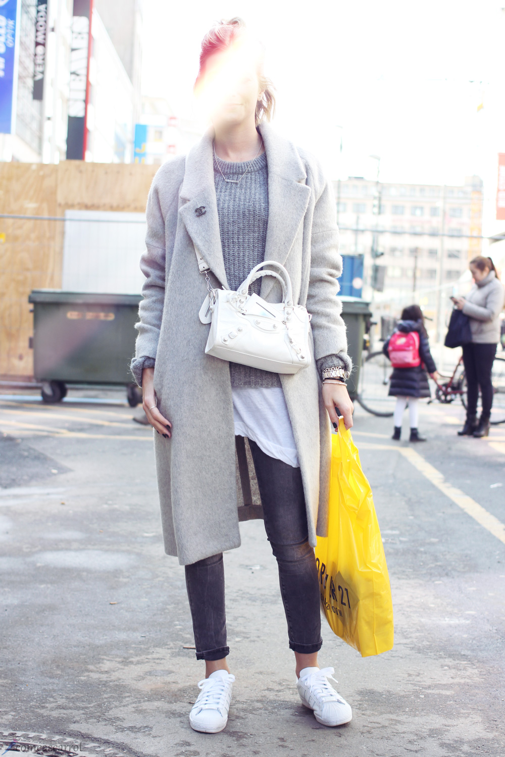 7ed369824a36 Streetstyle  Light shades of Chanel  Düsseldorf - Fashion blog from ...