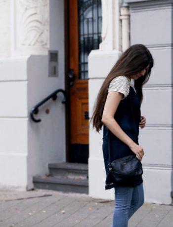 outfit, slip dress, negligee, t-shirt, striped, streifen, superga, white, sneaker, levis, jeans, leggings, kleid mit t-shirt, kombinieren, wie trage ich, kleid, shirt, trend, modeblog, fashionblog, fashion blog, düsseldorf, joop tasche, nrw, mode blogger, deutschland