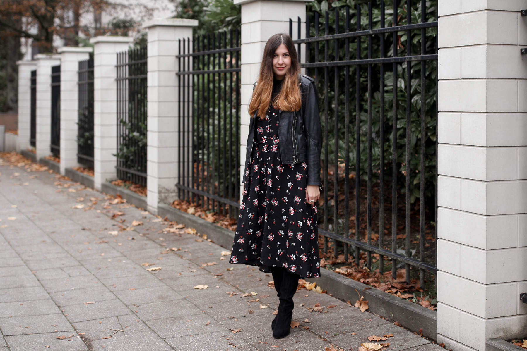 outfit, floral, maxidress, how to style, in winter, in autumn, in fall, im herbst
