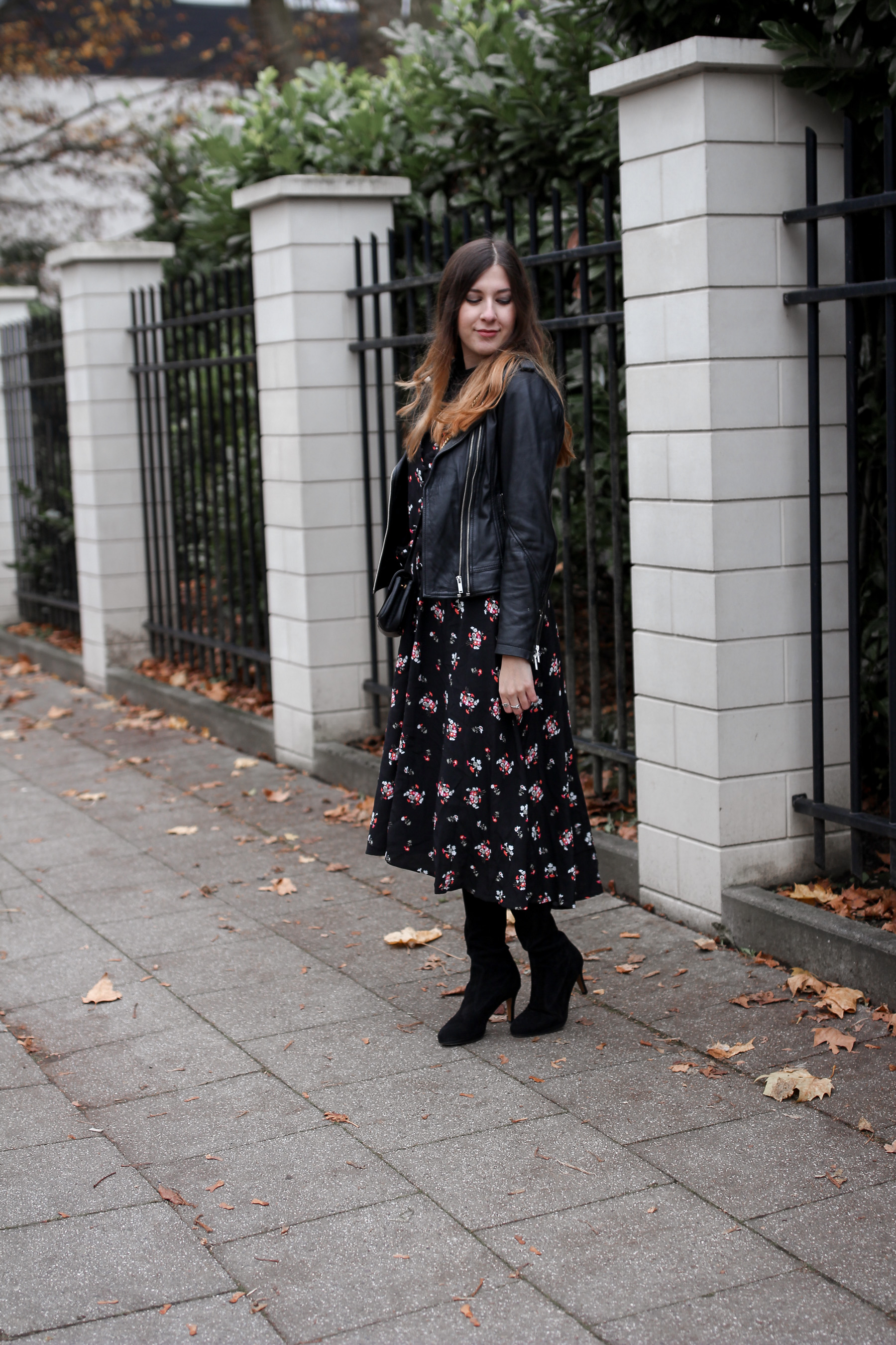 maxikleid asos, streetstyle, outfit, leather jacket, asseenonme, fall, winter, autumn, top fashion blog, comeascarrot
