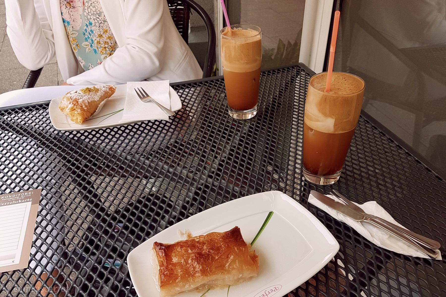 griechischer frappe cafe perfekt essen konditorei