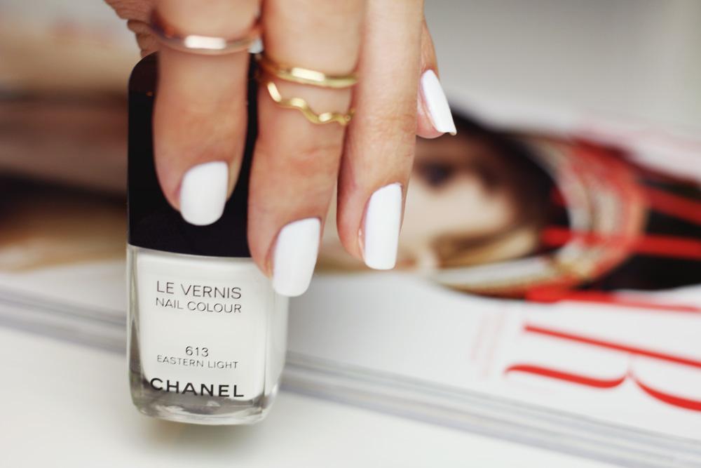 manicure, weisser nagellack, vergleich, chanel eastern light, essie, l'oréal